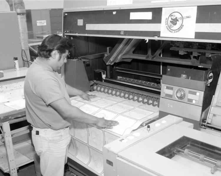 工場でチラシ印刷をするメリットとデメリット。