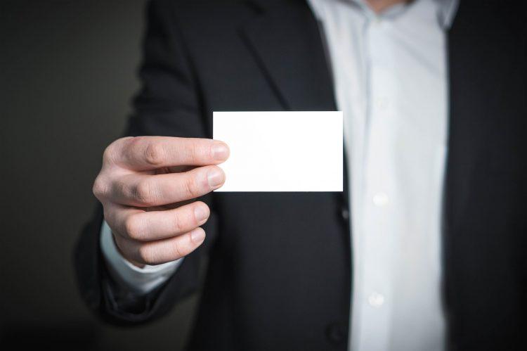 ユニークな会員カードで顧客をひきつけよう!