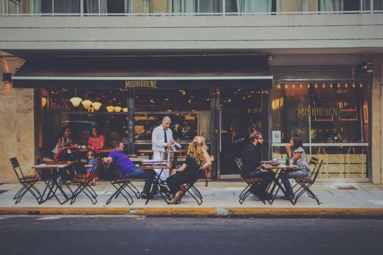 新規顧客とリピート顧客、大切にするべきはどちら?