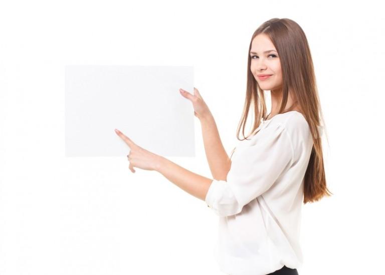 チラシの「薄い紙」と「厚い紙」を使い分けるポイントは?
